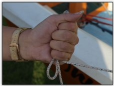 Photo 21, Never wrap the halyard rope around your hand