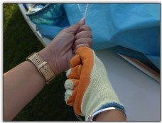 Photo 44, Hoist the mainsail, use gloves if necessary