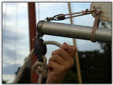 Photo 29, Rig the mainsheet