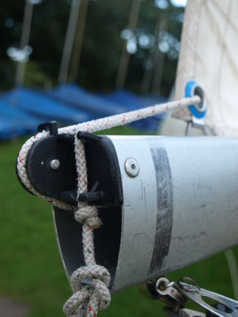 Caution Water - Sailing - Wayfarer Rigging Guide